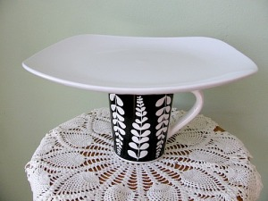 black flower cup plate