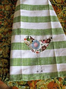 Leggy bird towel