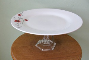 red flower plate